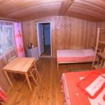 домик комната вид от стены с ТВ